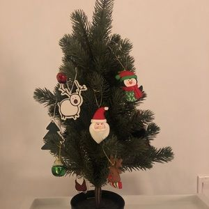 Plastic Christmas tree- 53cm